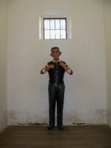Model of a prisoner ¨with evil ears¨in his cell